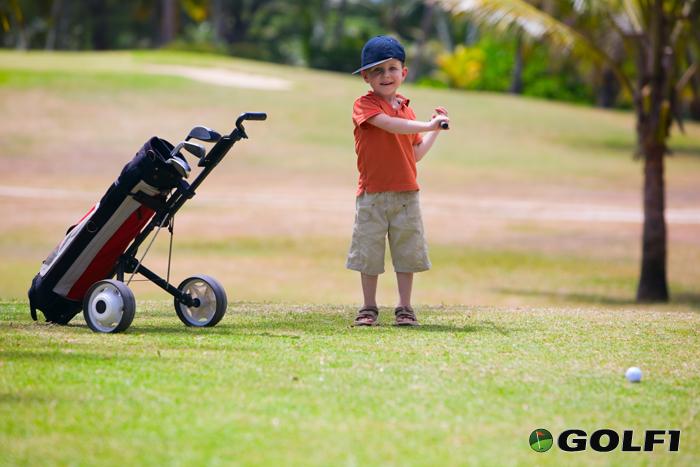 Golf ist auch schon was für die Jüngsten © shalamov / depositphotos