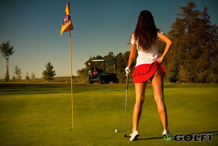 Mit ein wenig Phantasie ist auch Golf erotisch © fotoduki / depositphotos