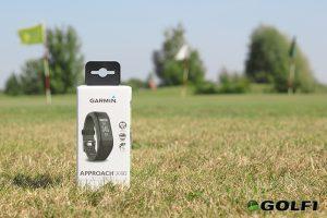Das Approach X40 Armband von Garmin kommt in einer kleinen Box © jfx