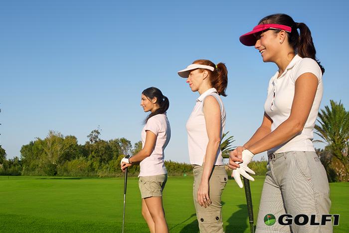 Ein Schnupperkurs macht Sinn für golfinteressierte Nichtgolfer © lunamarina / depositphotos