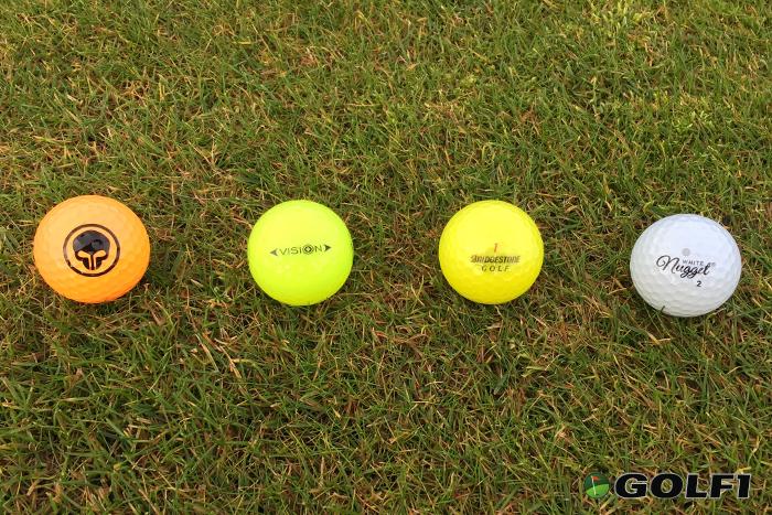 golf-im-herbst-und-winter_sichtbarkeit-golfball-farbvergleich