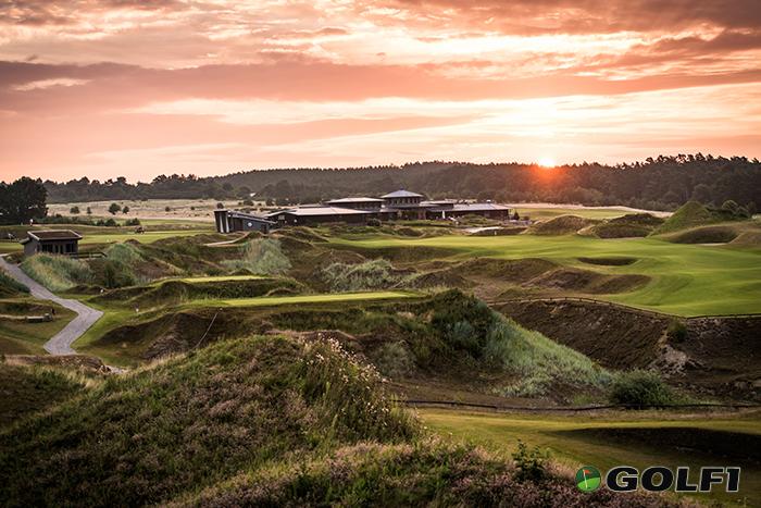 Golf bis die Sonne untergeht, auf dem mehrfach prämierten WINSTONlinks © stefan von stengel