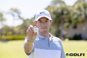 Rory McIlroy mit Golfball